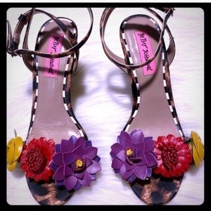 Betsey Johnson Leopard 🐆Flower 🌺 Heels